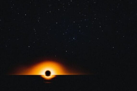 The rays of the oldest black hole come from 13 billion light years away