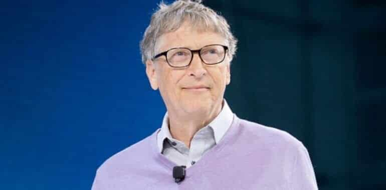 """Here is Bill Gates' plan to """"save the Earth"""": He supported the spraying project."""