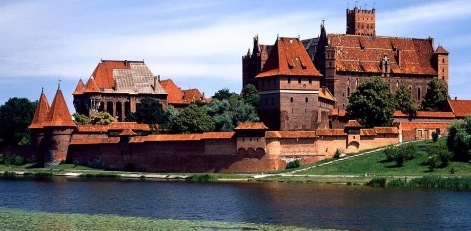 Malbork Castle. What You Need To Know About The World's Largest Castle Malbork